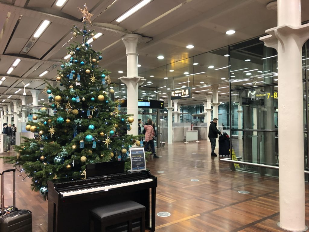 Christmas tree at London St Pancras Eurostar departures